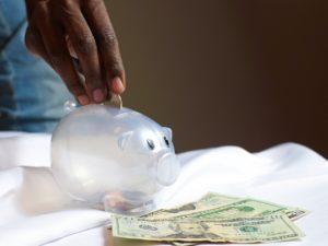 Organize-se: como assumir o controle de suas finanças pessoais (Foto de Joslyn Pickens no Pexels)