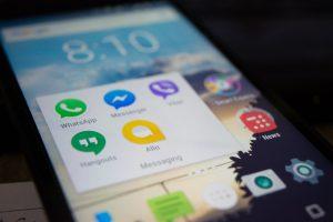 Como manter as suas conversas no Whatsapp organizadas? (Foto de Alok Sharma no Pexels)