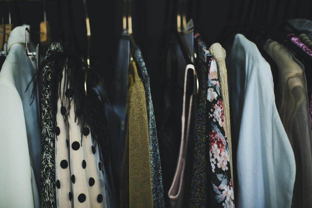 Como organizar seu armário e como limpar todos os itens